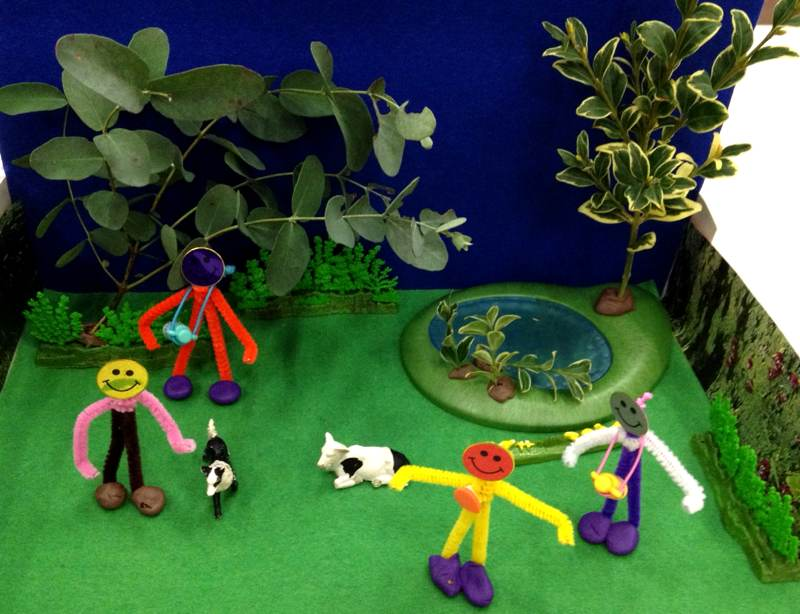 More pipe cleaner figures!