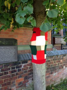 Christmas yarnbombed tree