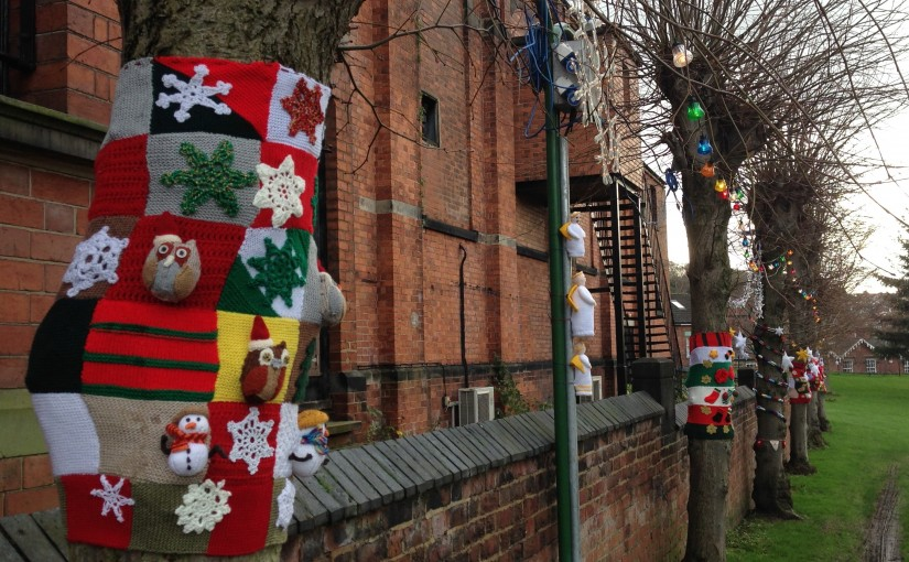 Belper's Christmas Yarn Bomb